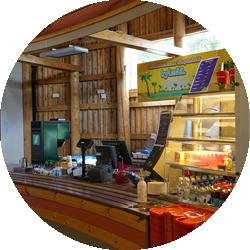 Tykkimäen huvipuiston Mukkelis Makkeliksessa toimii myös kahvio